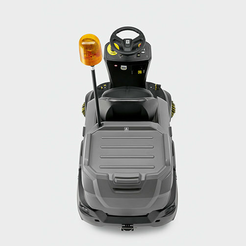 Vacuum sweeper KM 90/60 R P Advanced: Robust, compact design with pick-up area