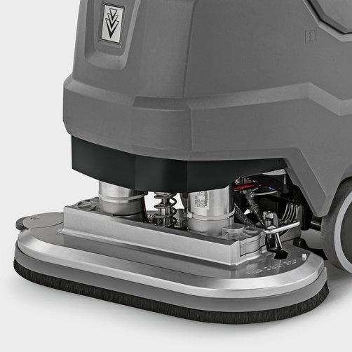 Podlahový mycí stroj s odsáváním BD 80/100 W Bp Classic *EU: Silně namáhané díly jako sací lišta a kartáčová hlava jsou vyrobeny z kvalitního hliníku.