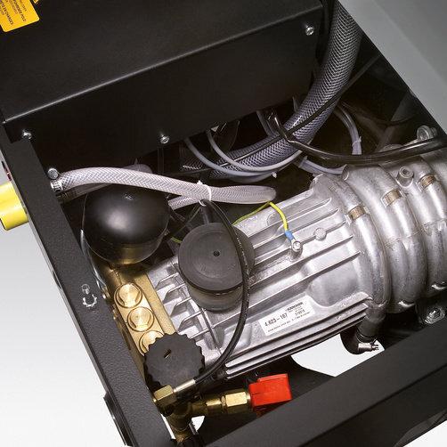 Vysokotlaký čistič HDS 12/14-4 ST: Čtyřpólový, vodou chlazený elektromotor (ohřev na olej)