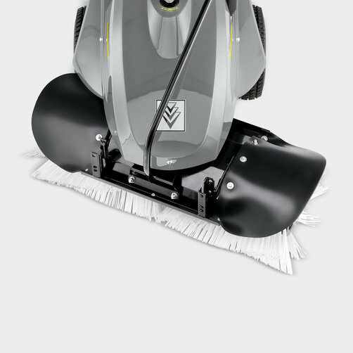 Sweeper KM 80 W P: Tilting of the roller brush