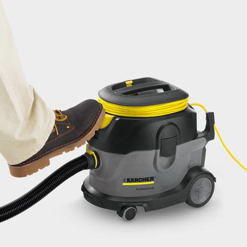 Пылесос сухой уборки T 15/1: Педальный выключатель для дополнительного удобства