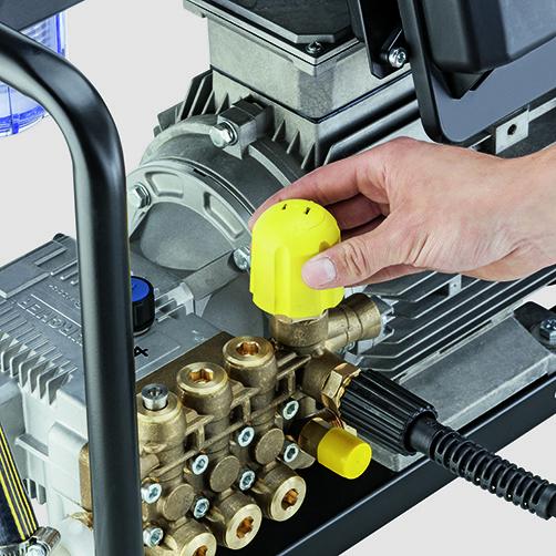 Аппарат высокого давления HD 9/18-4 Cage Classic: Долговечный и выносливый