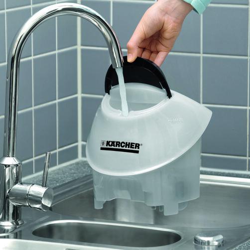 SC 5: Dodatkowy zbiornik na wodę można łatwo wyjąć i napełnić