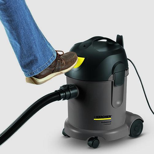 Пылесос сухой уборки T 14/1 Classic: Удобный ножной выключатель