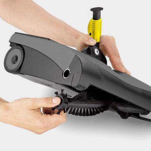Аккумуляторный пылесос EB 30/1 Adv Li-Ion: Замена щеточного ремня без применения инструментов