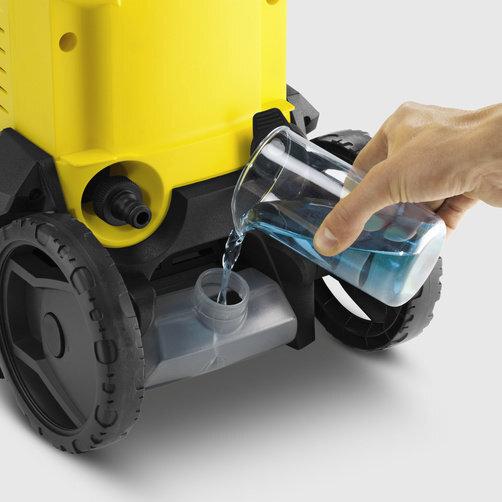 High pressure washer K 3: Clean tank solution