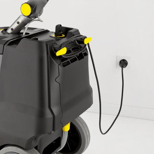 BD 38/12 C Bp Pack: Incluye potente cargador para montaje empotrado