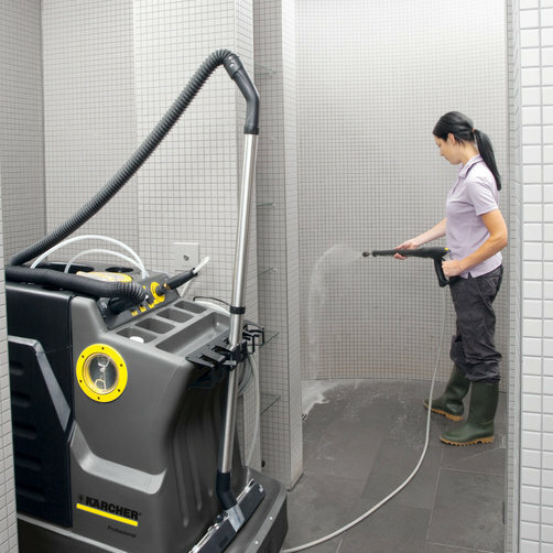 High pressure washer AP 100/50 M: Cleaning with high pressure