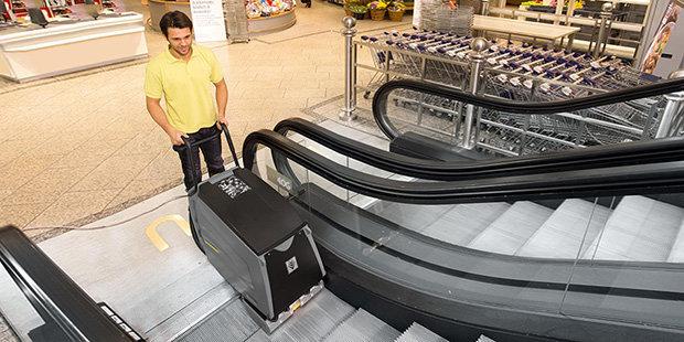Máy vệ sinh cầu thang và thang cuốn