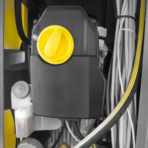 CB 3: Built-in high pressure pump