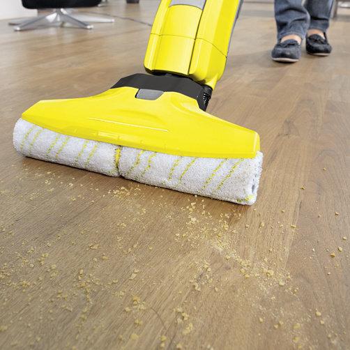 Lavasciuga pavimenti FC 5 NEW: Rimuove la polvere e gli schizzi