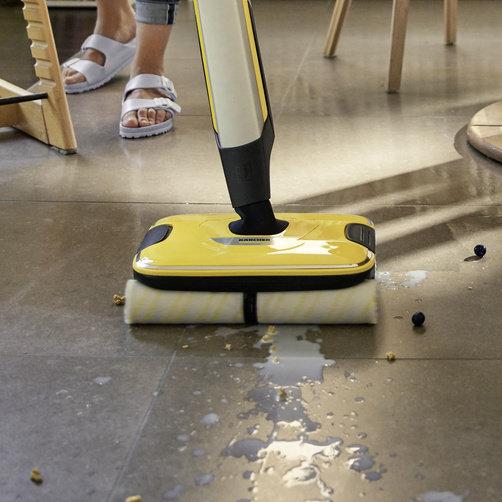 Keménypadló tisztító FC 7 Cordless (sárga): Ez az all-in-one eszköz eltávolítja a mindennapi száraz és nedves szennyeződéseket