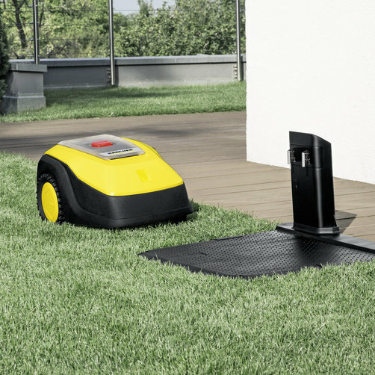 RLM 4 charging station app 1 CI15502x502 - Robot cortacésped  KARCHER RLM 4.           1.445-000.0