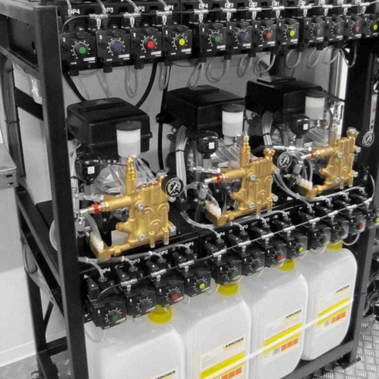 SB (önkiszolgáló) magasnyomású mosó SB Wash MU: A szivattyúmodulok gyárilag előre össze vannak szerelve.