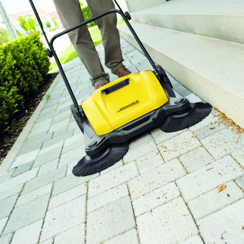 Push sweeper S 650: Two side brushes