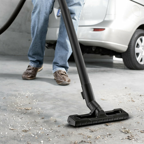Multi-purpose vacuum cleaner WD 3: Optimally developed: Floor nozzle and suction hose