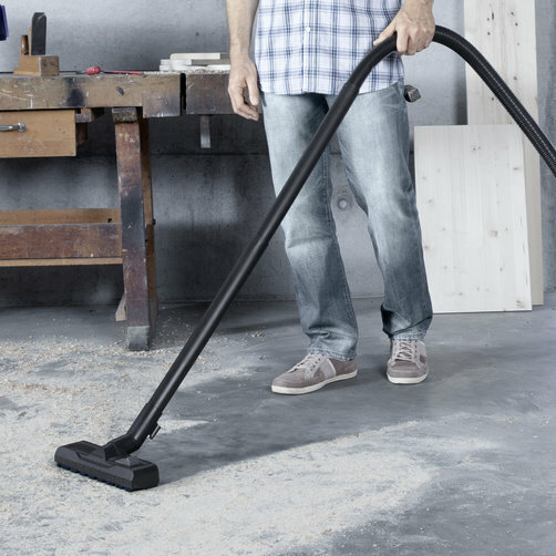 Multi-purpose vacuum cleaner WD 5 P: Optimally developed: Floor nozzle and suction hose