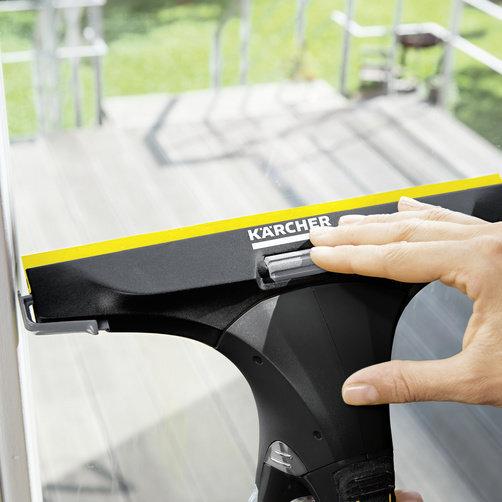 Оконный пылесос WV 5 Plus Black Edition: Комфортная очистка окон