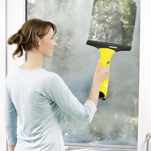 Стеклоочиститель WV 50 plus: Очистка без разводов и капель воды