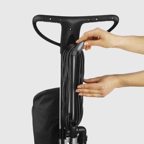 Floor polisher FP 303: Cable storage directly on the handle