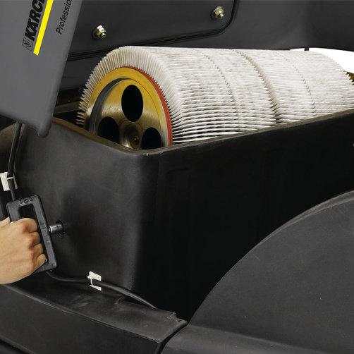 Подметально-всасывающая машина KM 100/100 R G: Фильтр большой площади с устройством автоматической очистки.