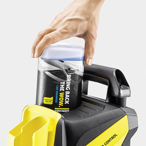 Aparat de spalat cu presiune K 4 Power Control: Sistemul Karcher Plug 'n' Clean pentru detergent