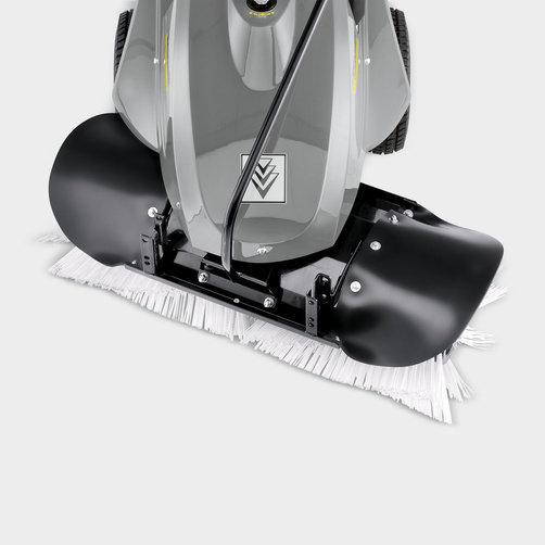 Подметальная машина KM 80 W G: Пружинный крепежный механизм цилиндрической щетки.
