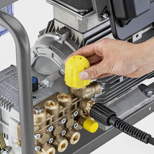 Аппарат высокого давления HD 9/18-4 Cage Classic: Надежный и прочный