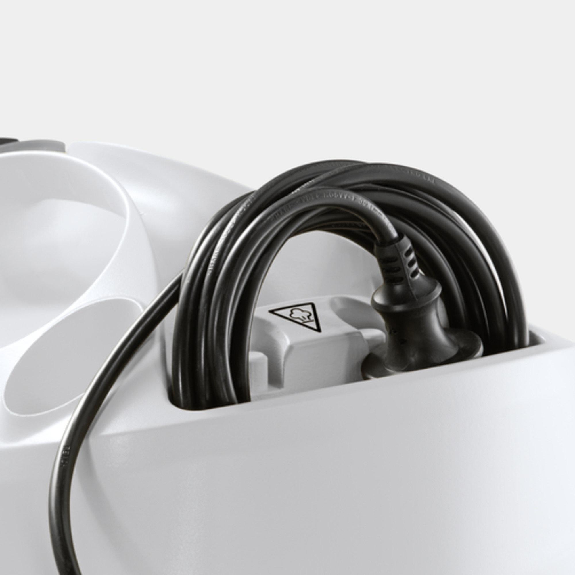Aparat de curatat cu abur SC 4 EasyFix Premium: Compartiment integrat pentru depozitarea cablului