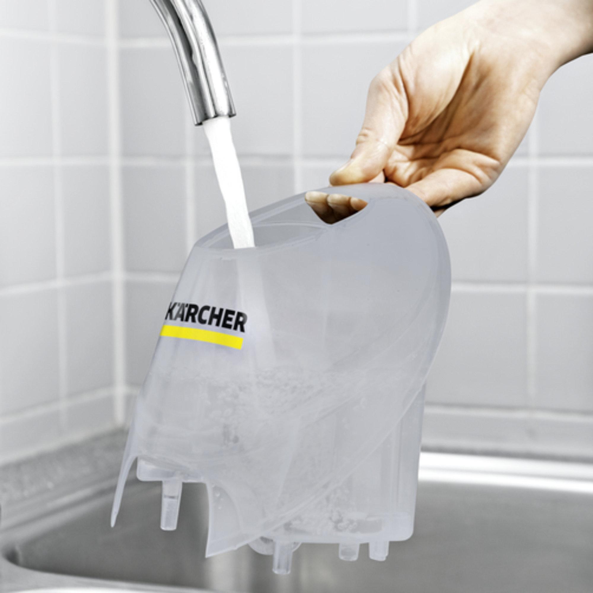 Aparat de curatat cu abur SC 4 EasyFix Premium: Rezervor de apă detașabil pentru reumplere continuă