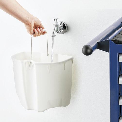 Aspirator cu spalare Puzzi 10/1: Rezervor de apa murdara detasabil
