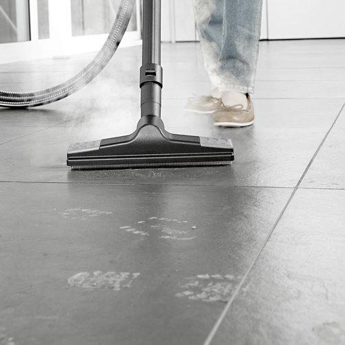 Aspirator cu abur SV 7: Duza pentru podea confortabila