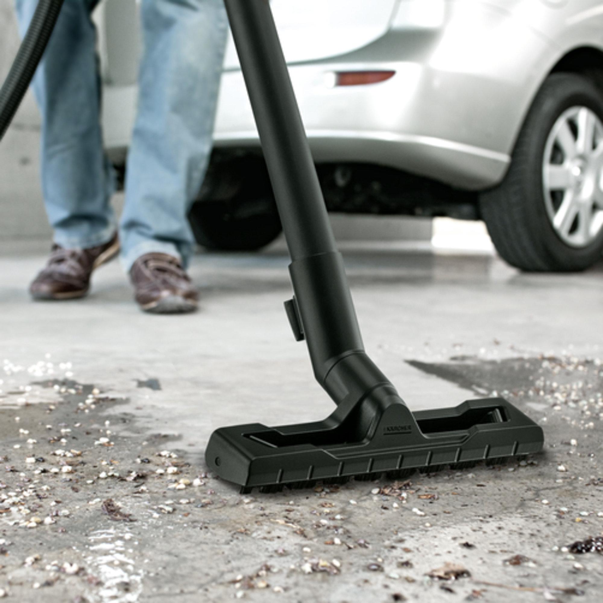 Aspirator umed-uscat WD 3 Premium: Modele noi : duză de podea și furtun de aspirare
