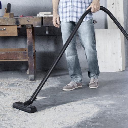 Aspirator umed-uscat WD 5 Premium: Modele noi : duză de podea și furtun de aspirare