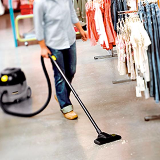小売店舗での清掃に