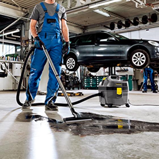 コンパクト自動車整備工場などの清掃にボディで持ち運びに便利