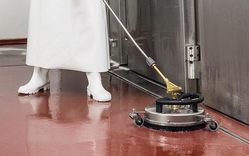 オプション FR 30 Me で食品工場の床洗浄に