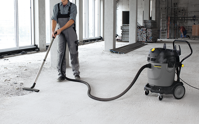 建設現場 粗ゴミの床清掃に