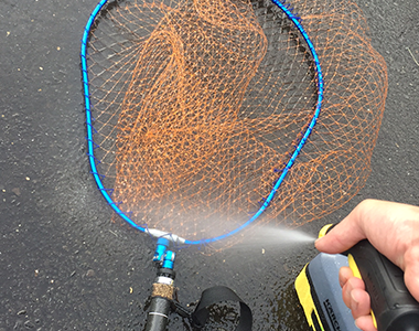 OC 3の噴射角が広角のため、面積が広い道具も洗いやすい