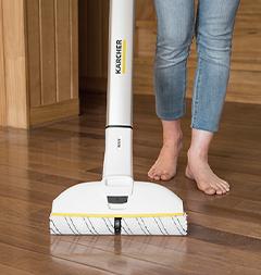 廊下の床掃除