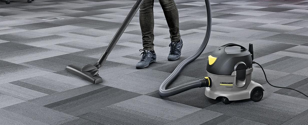 コンパクトで軽量、パワフルな吸引力が魅力ベストセラーの掃除機