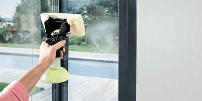 fenstersauger streifenfrei fenster reinigen k rcher. Black Bedroom Furniture Sets. Home Design Ideas