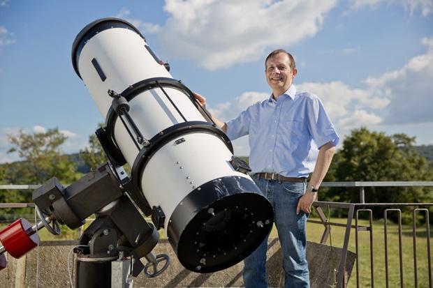 Sternenklare sicht teleskopreinigung auf der sternwarte stuttgart