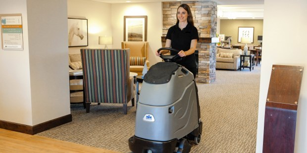 Hotel Lobby Cleaning With Windsor Chariot Atv Ivac 24 Vacuum Cleaner