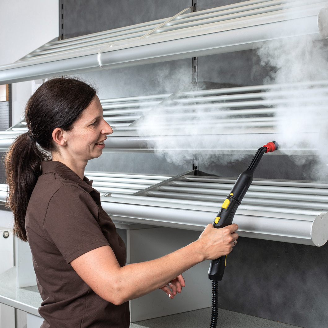 Cleaning with a Kärcher steam cleaner