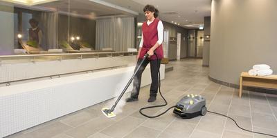 Limpiar con una limpiadora de vapor Kärcher