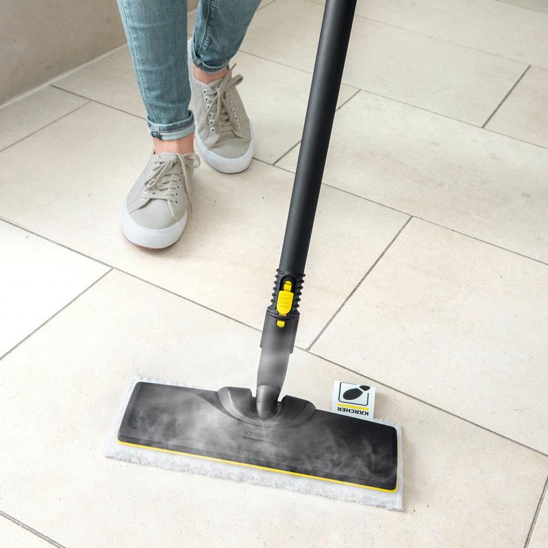 Steam cleaner floor cleaner