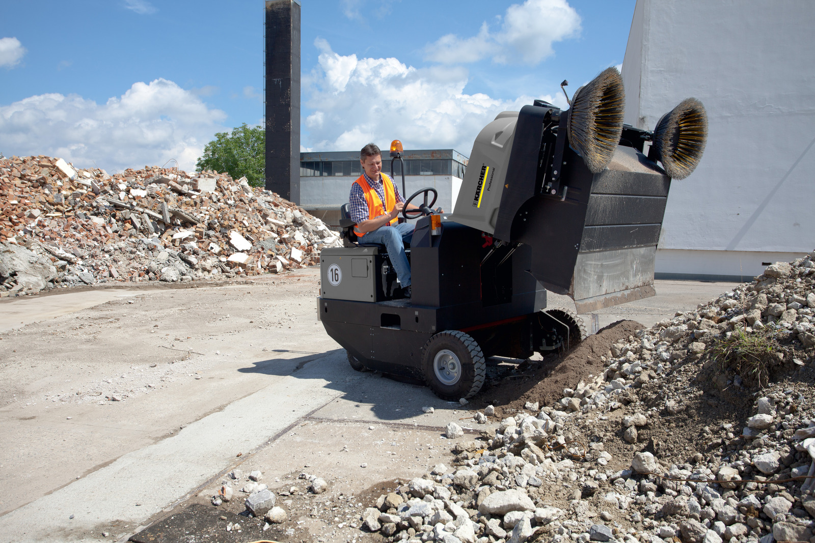 Kärcher Vacuum sweeper KM 170/600 R D