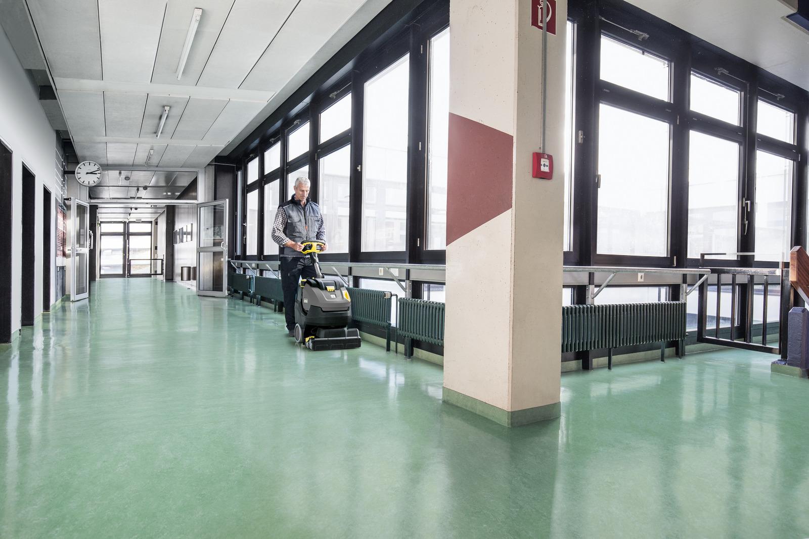 Lavasciuga pavimenti compatte br 45 22 c k rcher s p a for Migliore lavasciuga